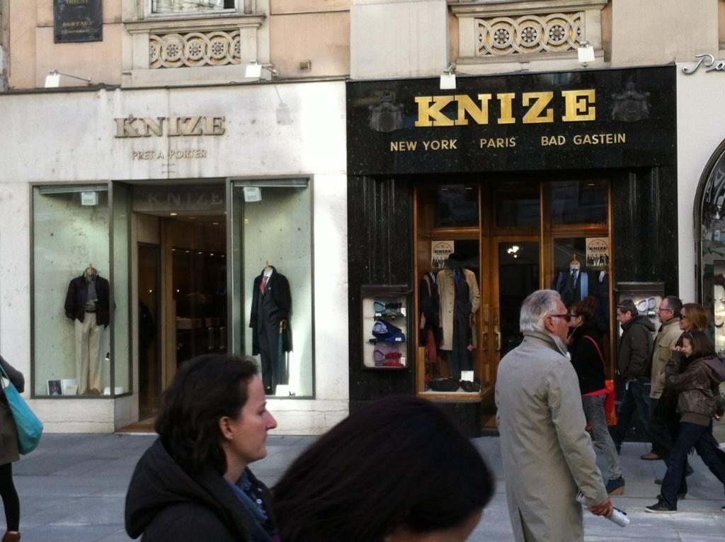 Knize, Vienna