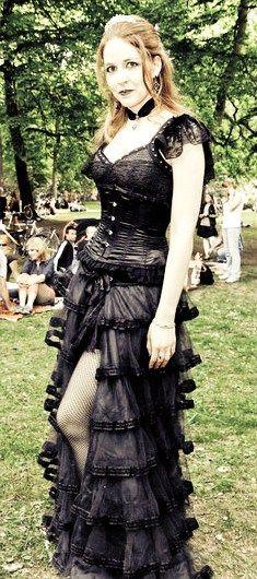 neo victorian goth girl at wave gotik treffen dark goth. Black Bedroom Furniture Sets. Home Design Ideas
