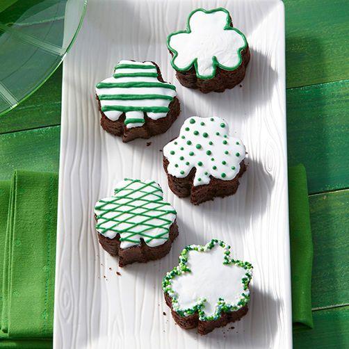 Shamrock Mini Cakes