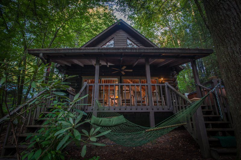 List Of Awesome Georgia Cabin Rentals (Pictured: Cool River Dreams, Ellijay)