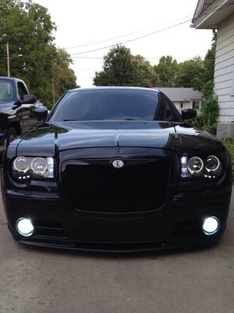 2006 chrysler 300 srt8 on airride and 22s *must see* built
