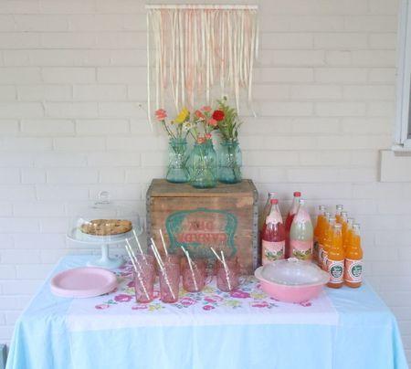 Vintage Indie: Entertaining & Parties: Vintage Indie Style Drink & Dessert Table