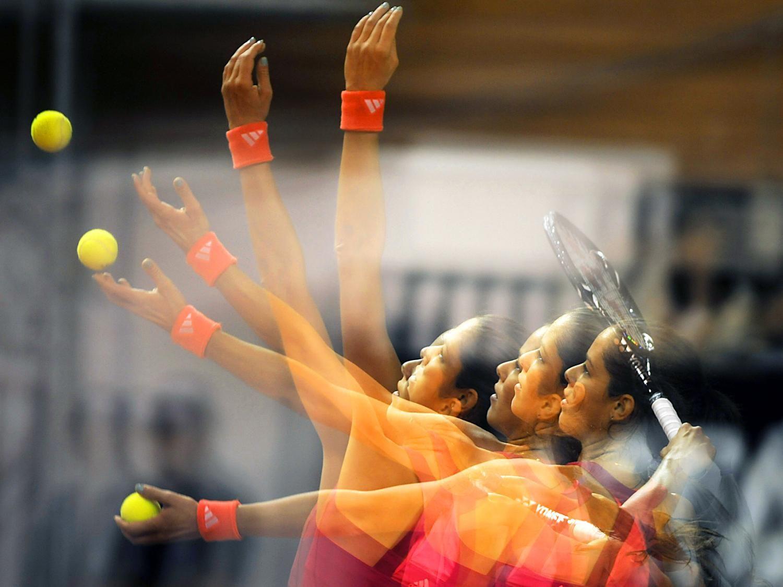 30 Mind-Blowing Multiple Exposure Photographs - Arm Race