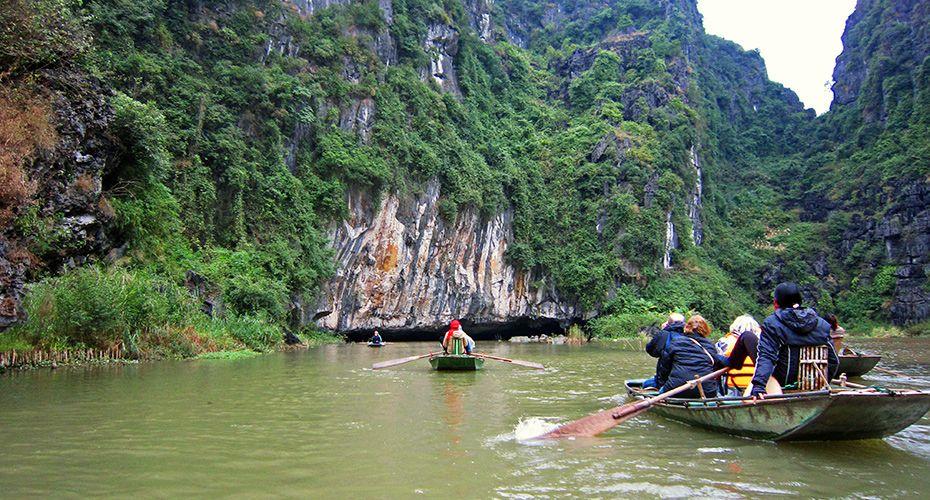 Tam Coc and tourist boats. #tamcoc #ninhbinh #travel #tourist #boat #wander