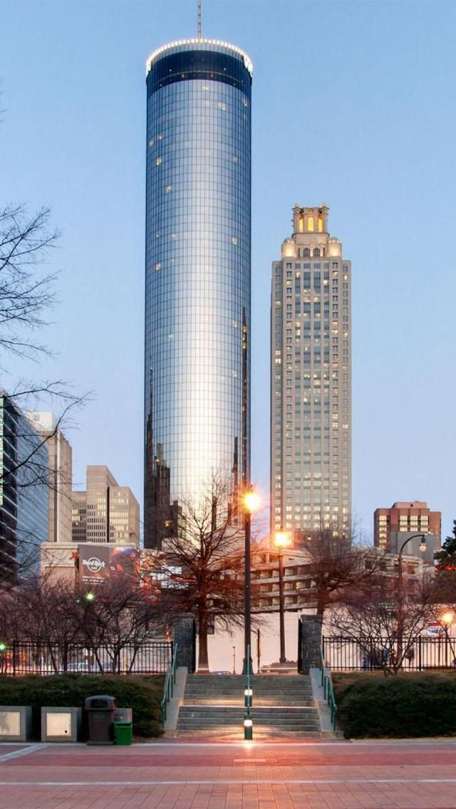 Downtown Atlanta The Peachtree Plaza Get A View Of Whole City From Sun Dial Restaurant Localmatterz