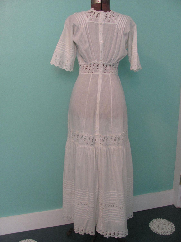 Edwardian wedding dress  White Lawn Dress Vintage Early us Edwardian Wedding Dress