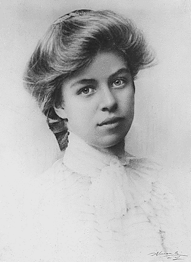 """eleanor roosevelt!!! diplomat, reformer, volunteer, human rights activist, first female president! ;) #FilmHerStory"""
