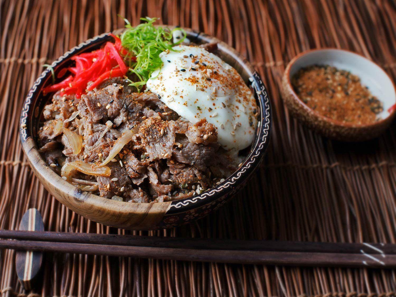 Gyudon Japanese Simmered Beef And Rice Bowls Recipe Recipe Rice Bowls Recipes Sukiyaki Recipe Chicken Sukiyaki Recipe