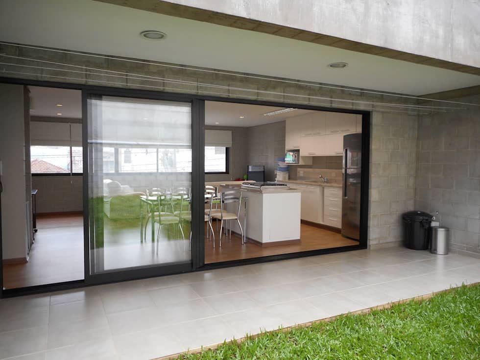 fachada dos fundos Casas rústicas por Metamorfose Arquitetura e