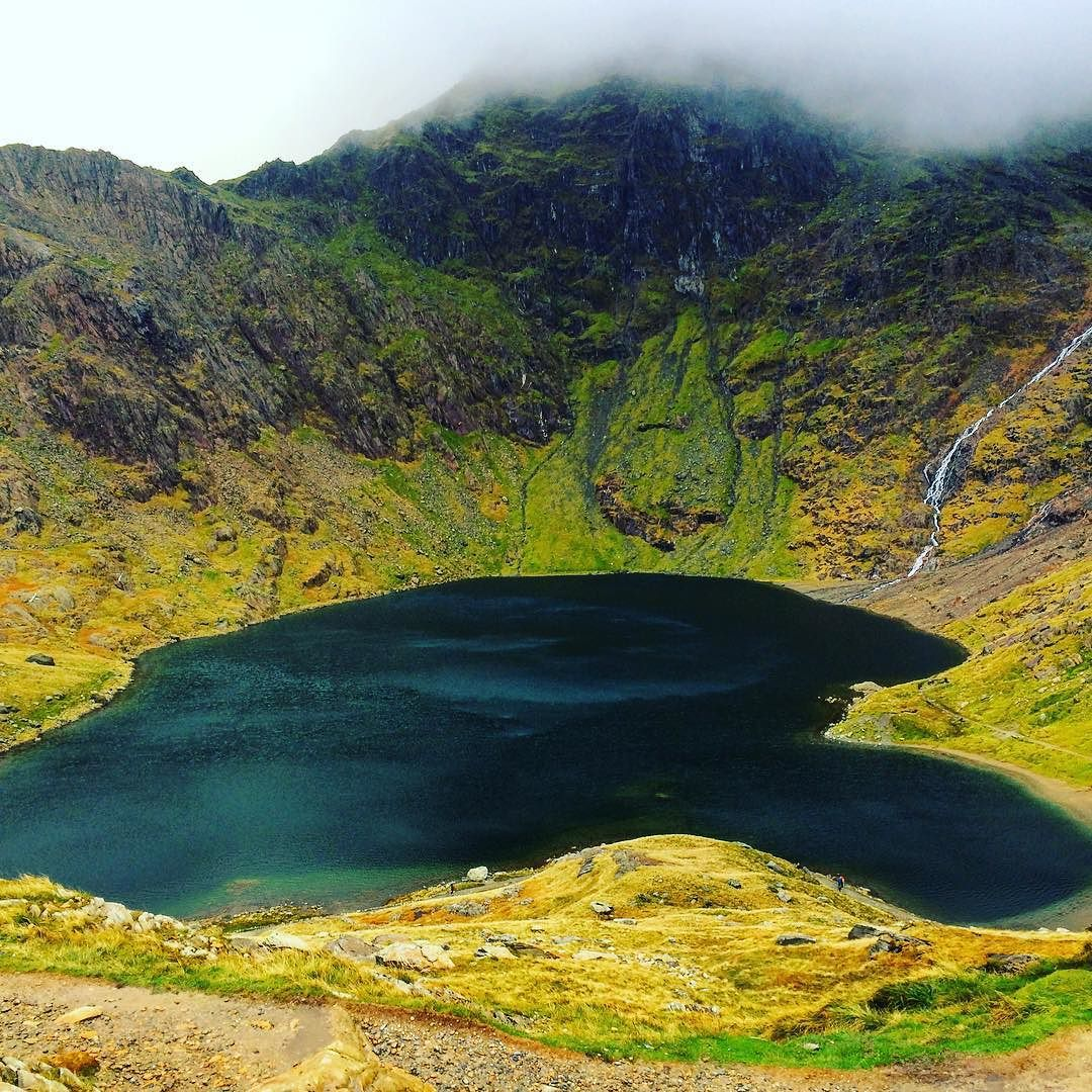 Heart shaped lake in a cloud  #eryri #wyddfa #calon #snowdonia #turquoise #missionaccomplished by elf1234567