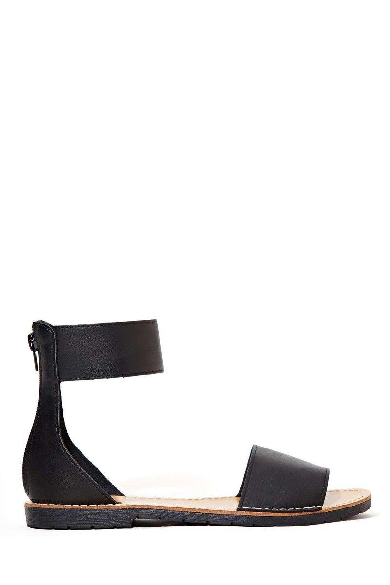 658882b593e2 Black Low Heel Sandals