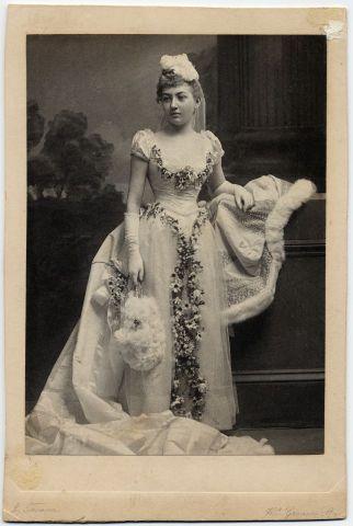 "Mary ""Mamie"" Lincoln Isham in her wedding dress, 1891 ..."