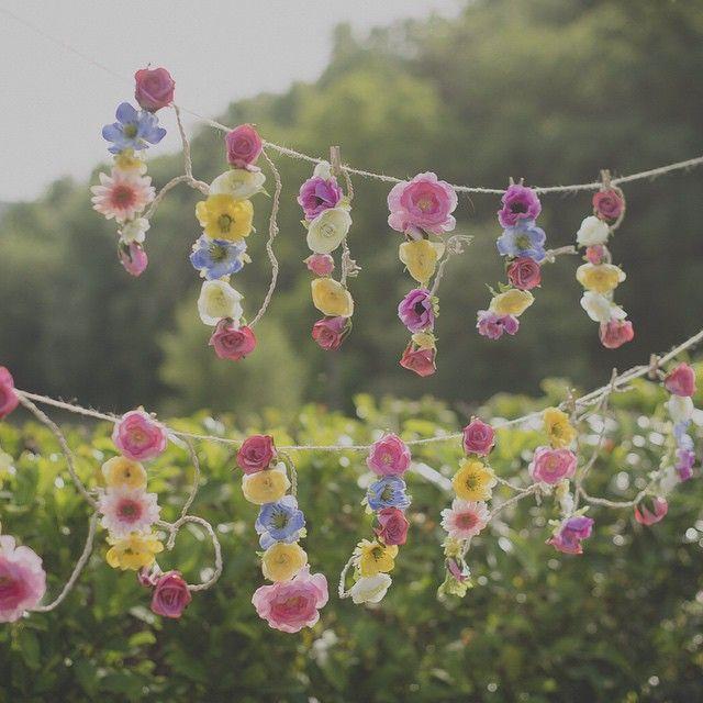 ¡Feliz día, bonitos! #estheryblaisecasan #cuentibodas // Foto de @monicacarrera // www.bodasdecuento.com