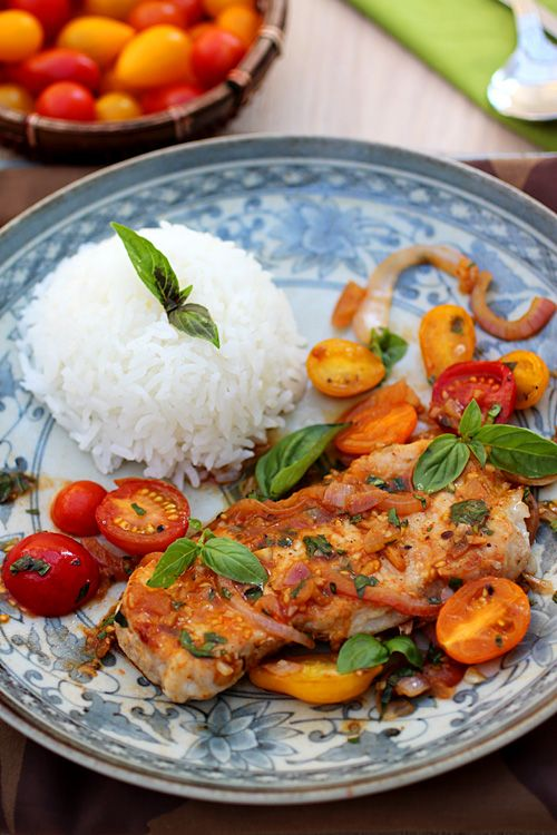 Sauté Pork with Tomatoes Invite a couple of friends over for dinner, have a great conversations, eat this delicious pork chops, drink some wine, and have the AC on full blast. The pork chop is sweet and sour in taste, and great especially served with rice. Enjoy!