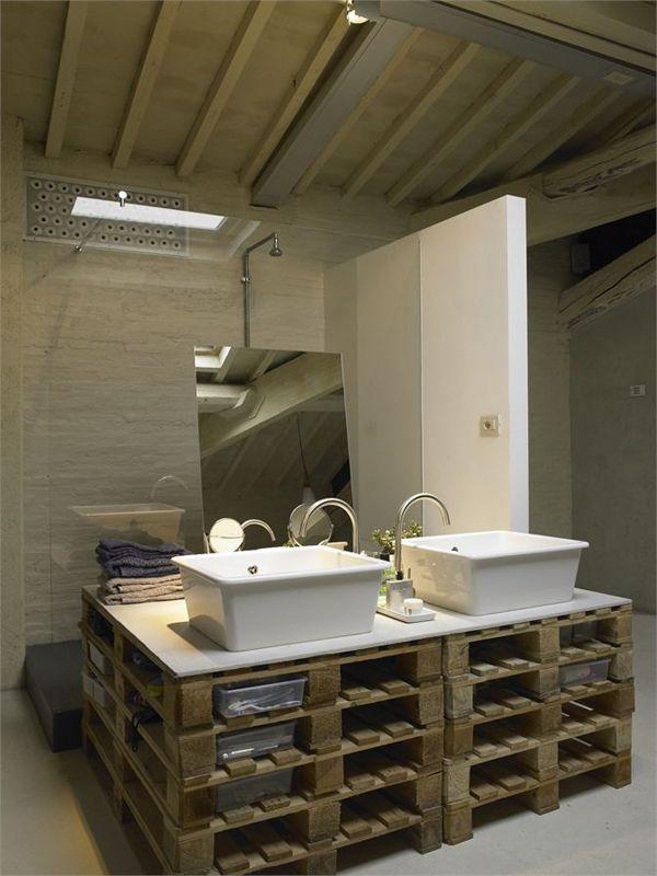 cr er du mobilier avec des palettes en bois les palettes palette et mobilier. Black Bedroom Furniture Sets. Home Design Ideas