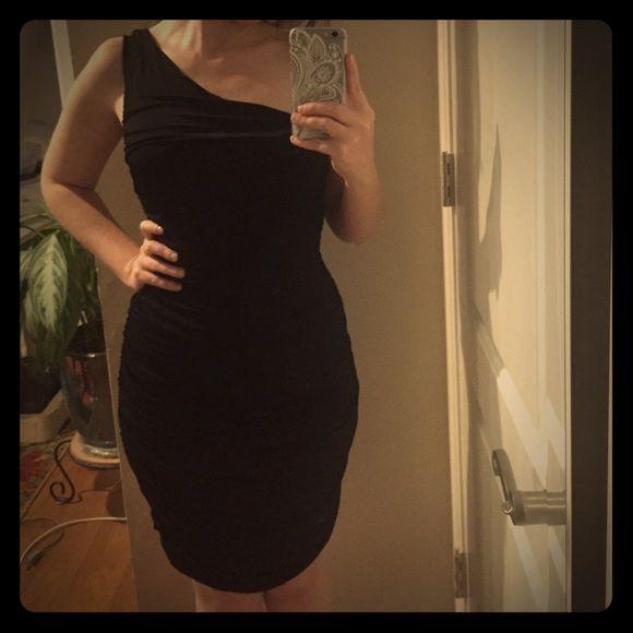 H m black dress one sleeve