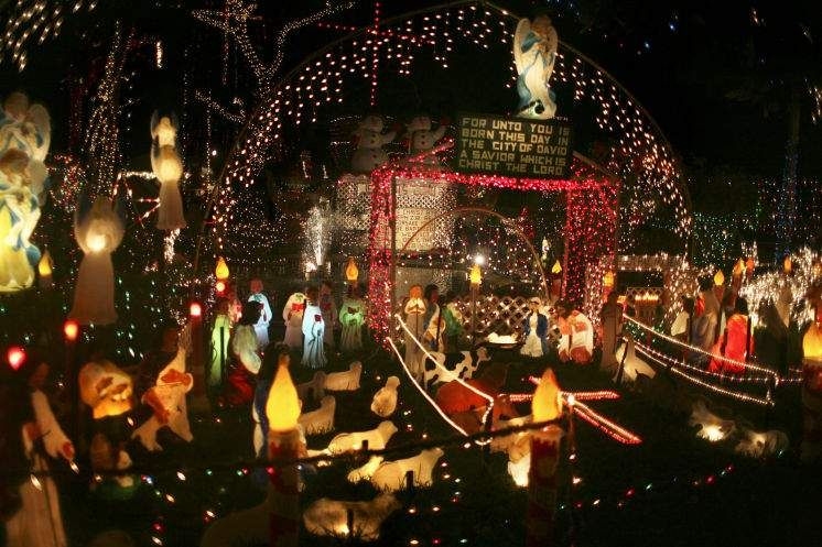 Christmas Lights Bay Area It's The Season To Pile The Family Into The Car Be Dazzled