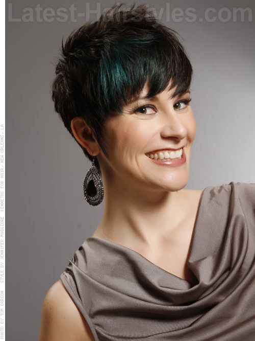 Coloring Ideas For Short Hair : Short hairstyles with teal streaks 10 exquisitely creative hair