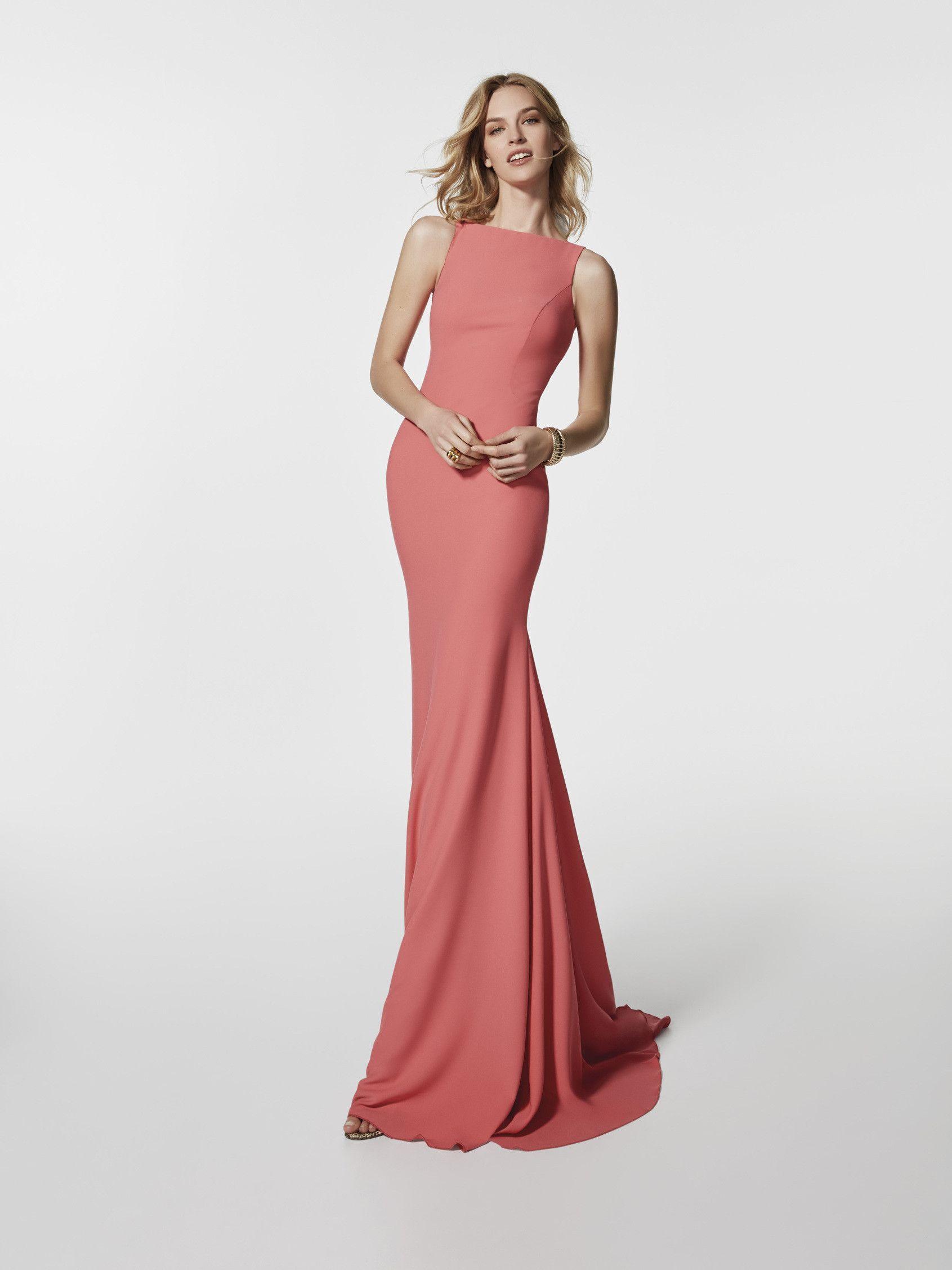 Buscas un vestido de fiesta? Este vestido largo de color rojo es un ...