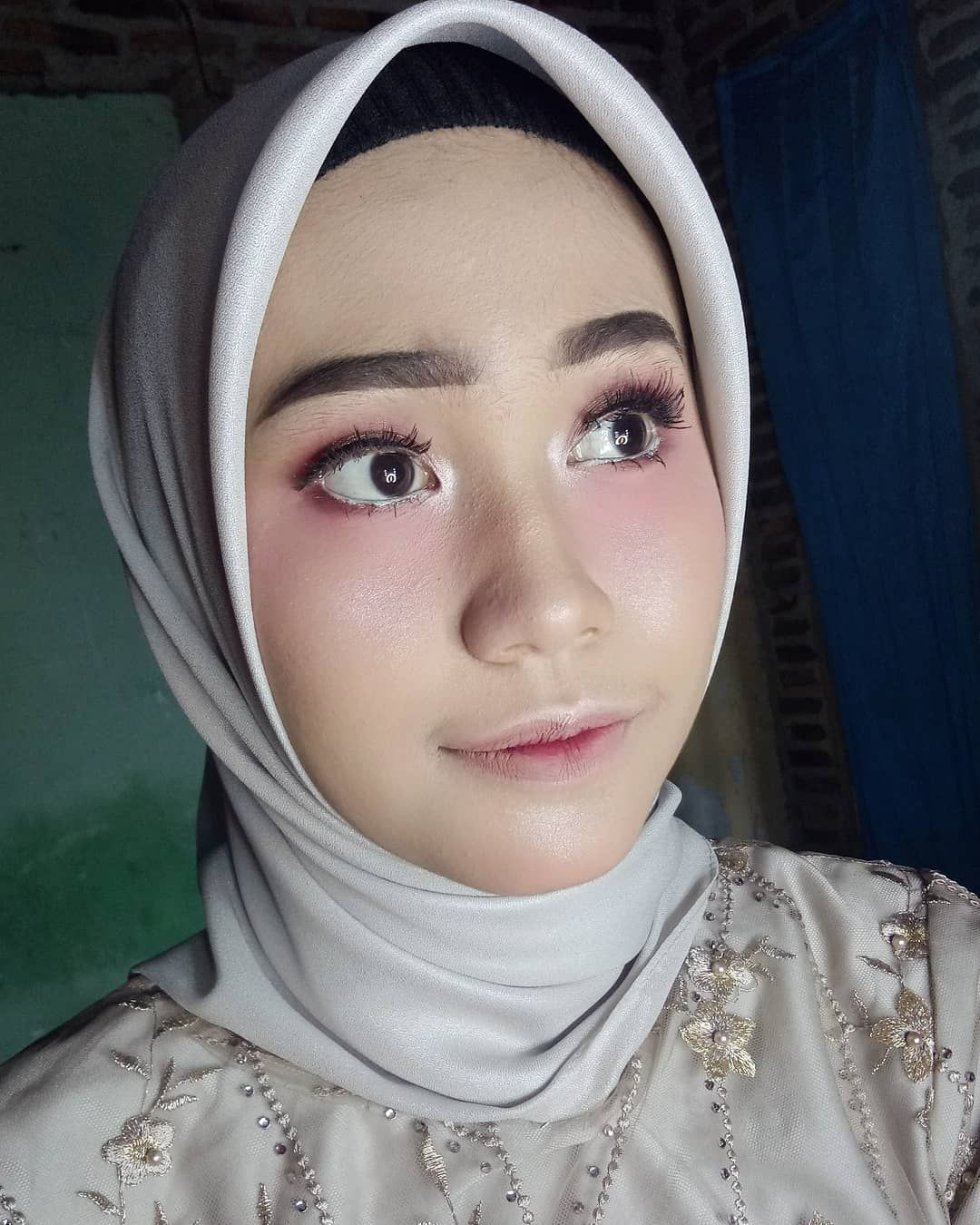 Make up by syifamakeuphijab For booking by WA on bio