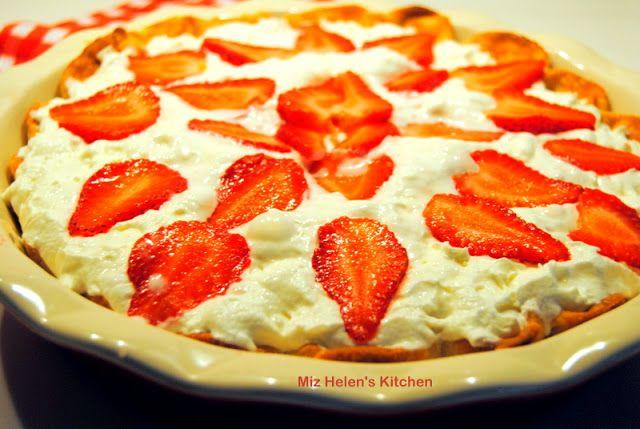 Miz Helen's Country Cottage: Fresh Strawberry Pie