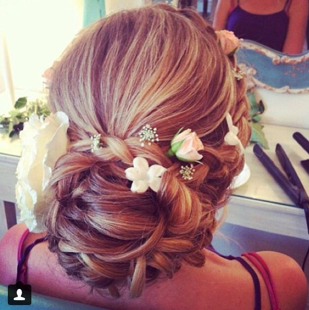 Omg So So So Pretty Might Have This For The Yr 6 Farewell Hair Hair Styles Hair Inspiration