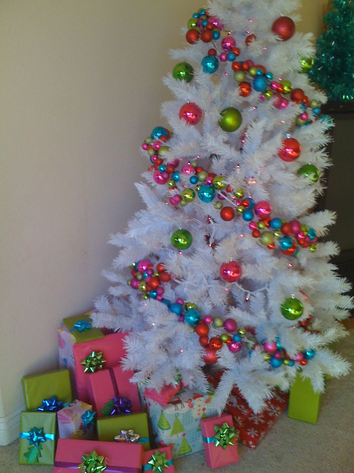 for decor a christmas oh pin peacock tree living wild decorations how room peacocks narrow perfect gone