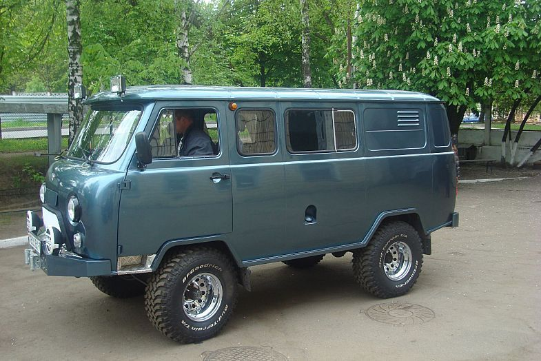 uaz 2206 kaufen google suche uaz 452 russian 4x4 van. Black Bedroom Furniture Sets. Home Design Ideas