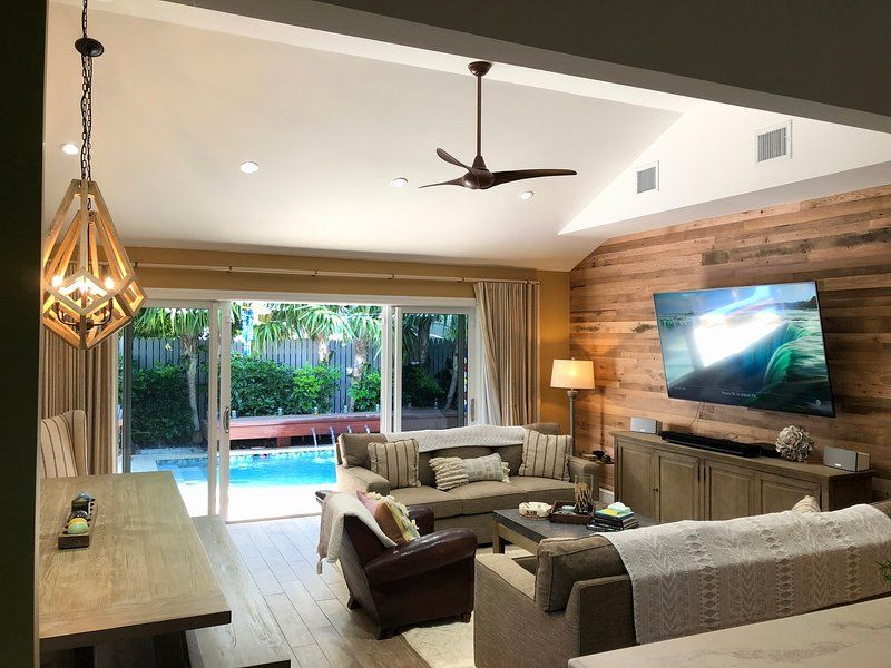 Living Room Key Table Di 2020 Dengan Gambar