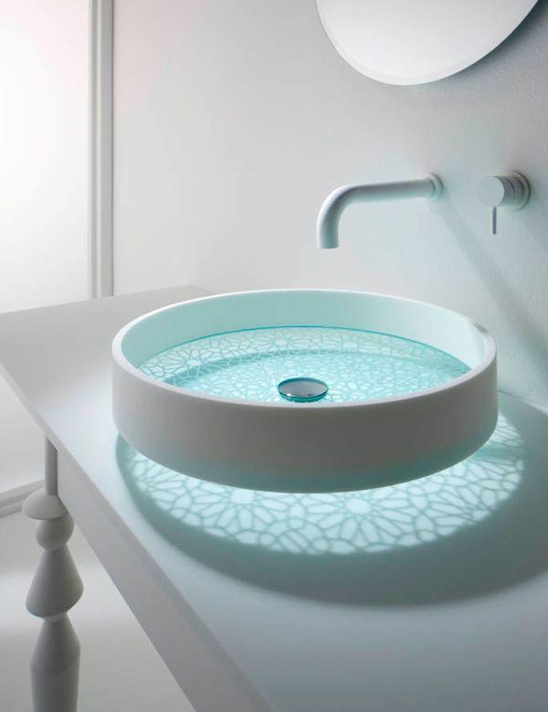 Futuristisch Ontwerp Deze Transparante Wastafel