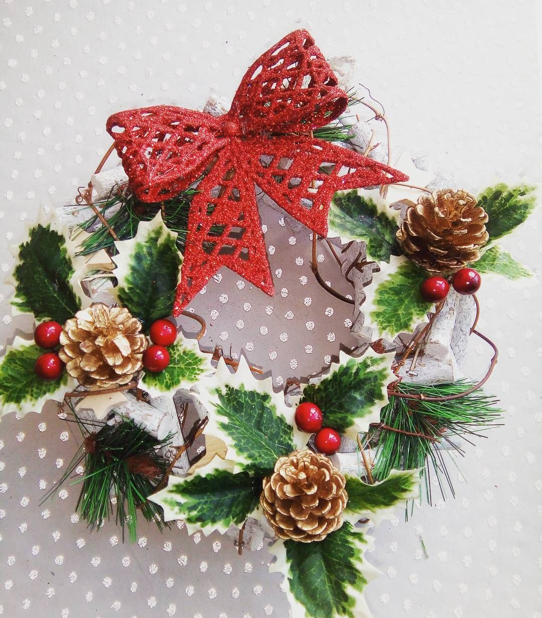 🌲So excited to take all my hand finished wreaths to the markets this weekend 🌲  christmas #christmasdecor #traditional #christmashome #decorideas #handemadechristmas #woodenwreath #hollyberries #jollyholly #redbow