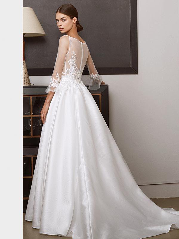 Elegantes Brautkleid mit Tattoo-Spitze auf Oberteil und ...