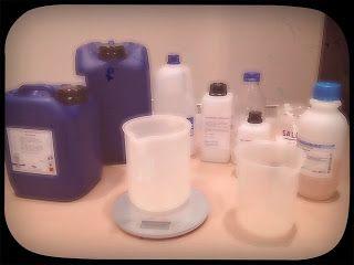 Prepariamo il detergente lavapiatti perfetto