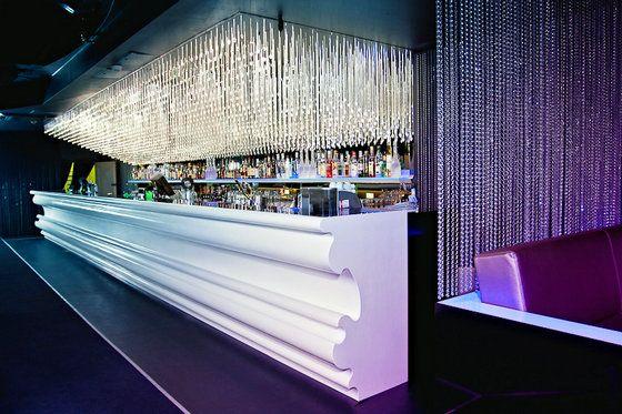 comptoir moderne de barre de corian lumi re tamis e bar pinterest bar counter bar and. Black Bedroom Furniture Sets. Home Design Ideas