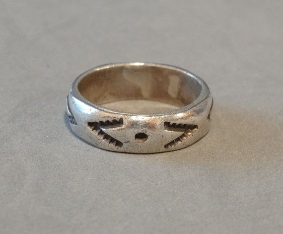 Vintage Sterling Silver Mans Mens Ring Wedding Band Native American