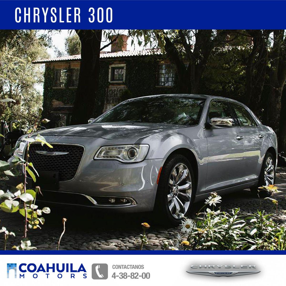 """El diseño exterior de #Chrysler300 es icónico y combina con la elegancia y el lujo en sus rines de aluminio cromado de 20"""" y luces LED delanteras. #OrgulloChrysler."""