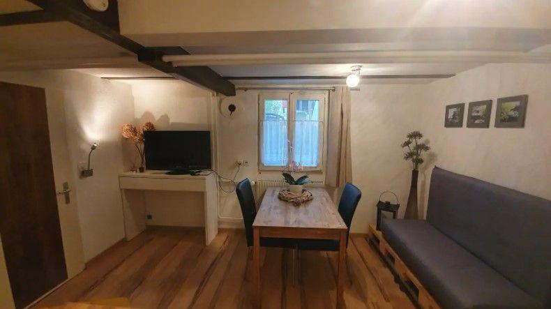 Kleine Moderne Ferienwohnung Apartments For Rent In Thun Bern Switzerland One Bedroom House Apartment Bedding One Bedroom Apartment