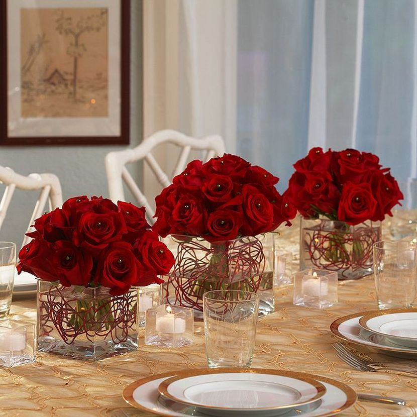 Great Red Rose Centerpieces For Christmas Party Table