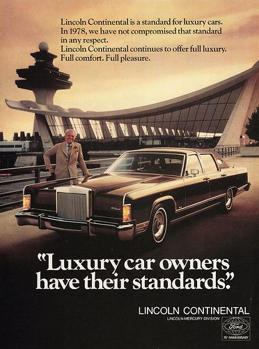 "1988 Lincoln Town Car Original Print Ad-8.5 x 10.5/""What A Luxury Car Should Be"
