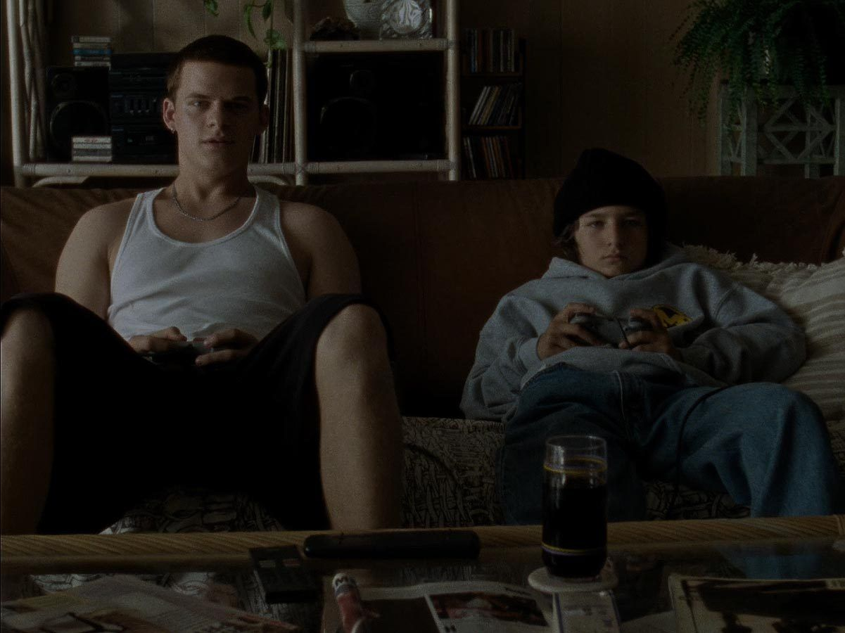 Lucas hedges sunny suljic in mid 90s source a248flix
