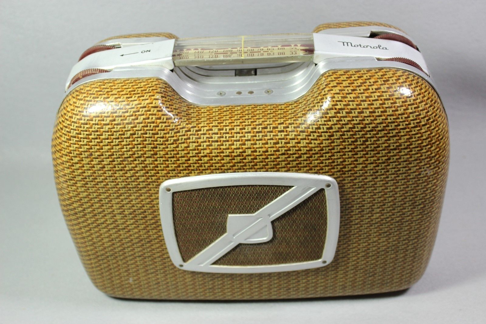 cheap for discount 7882f e34c9 Vintage Motorola Portable Tube Picnic Suitcase Radio Model 68L11 ...