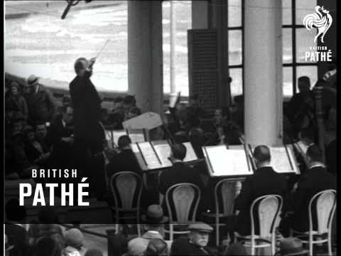#Scarborough, North Yorkshire - Alick Maclean Scarborough Orchestra (1932) #British_Pathe #Yorkshire
