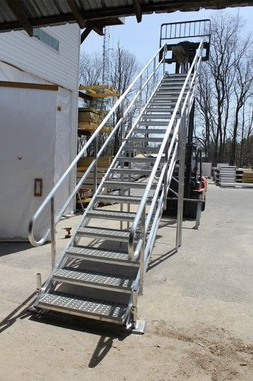 Best Aluminum Dock Stairs In 2020 Outdoor Stairs Stairs 400 x 300