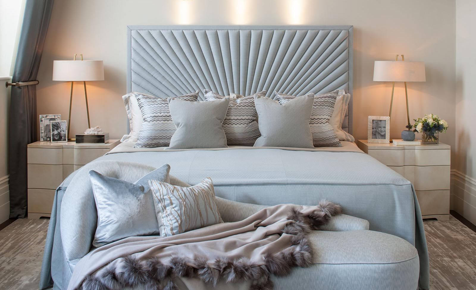 Best Hyde Park Luxury Apartment Master Bedroom Detail 400 x 300
