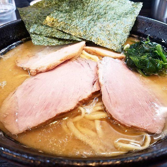 蔵前家 静岡県西部で唯一の家系ラーメン チャーシュー麺 もちろん