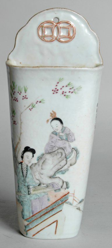 Antique Wall Pockets | 46: ANTIQUE CHINESE PORCELAIN WALL POCKET : Lot 46