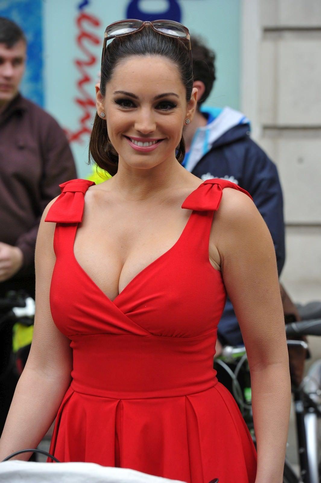 фото женщин с пышной грудью