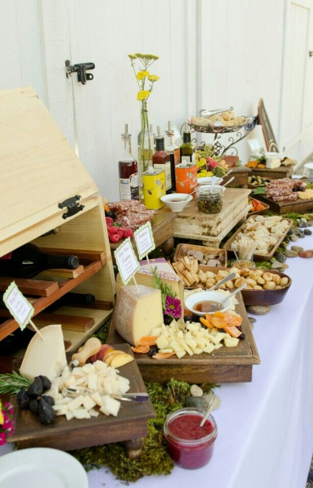 food display party ideas wine and cheese party pinterest buffet anniversaire de mariage. Black Bedroom Furniture Sets. Home Design Ideas