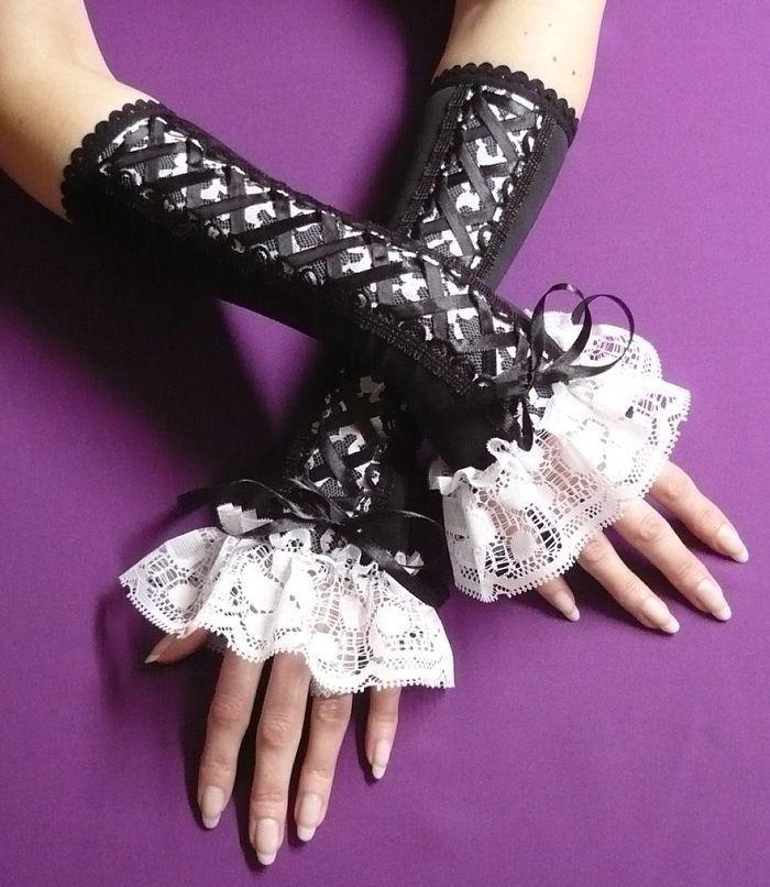 NEW Gothic Black White Red Purple satin Lace check Hand Wrist Cuffs Lolita Rock