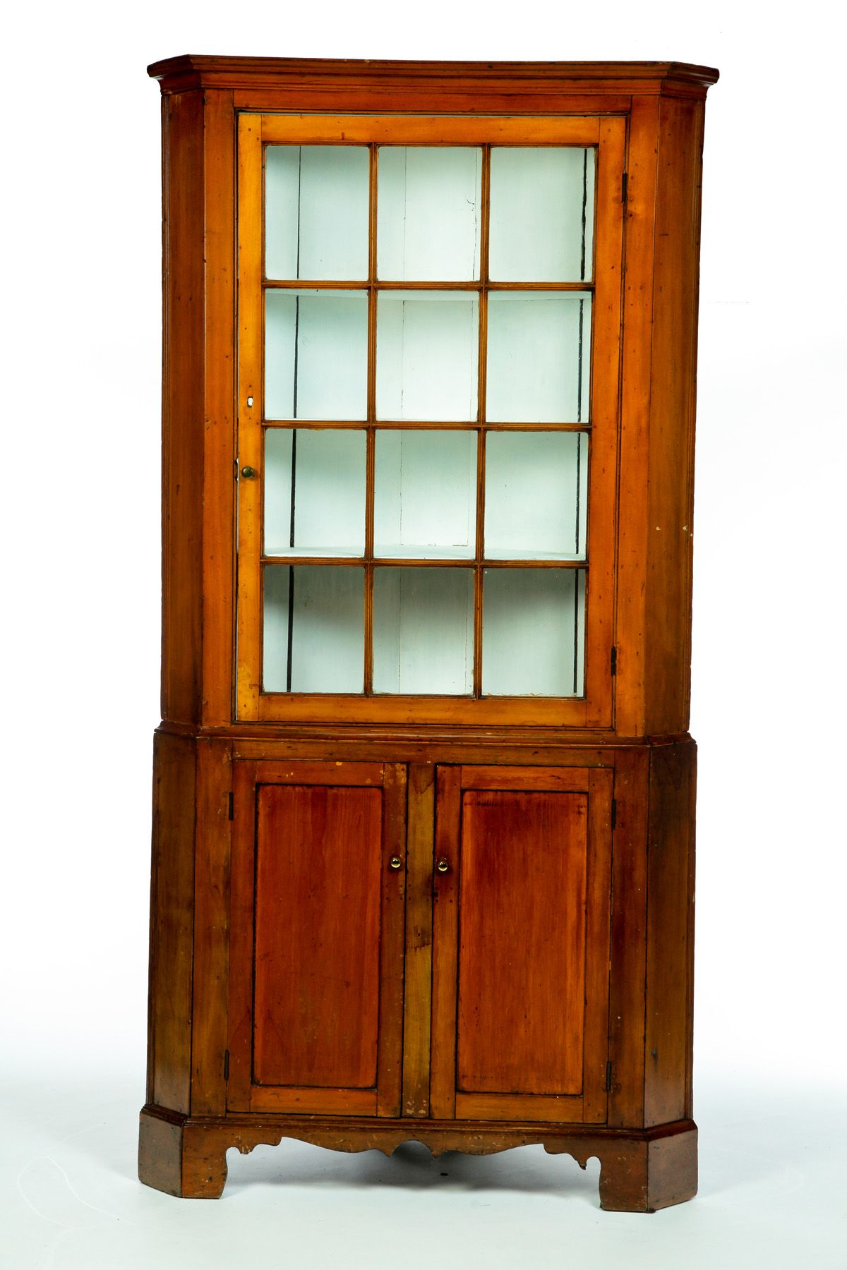 TWO PIECE CORNER CUPBOARD American 1st half 19th century cherry